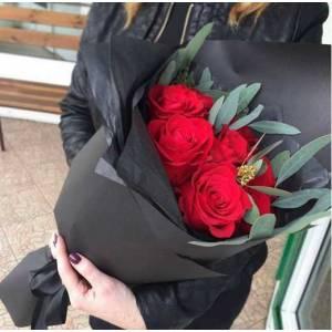 Букет 9 крупных красных роз R66